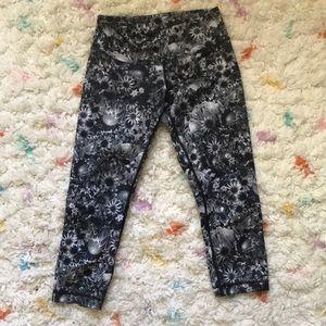 Lulu lemon flowabunga cropped leggings